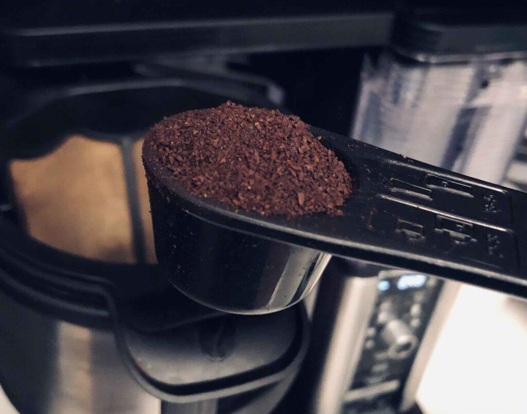 Ninja Specialty Coffee Maker Grounds in Scooper
