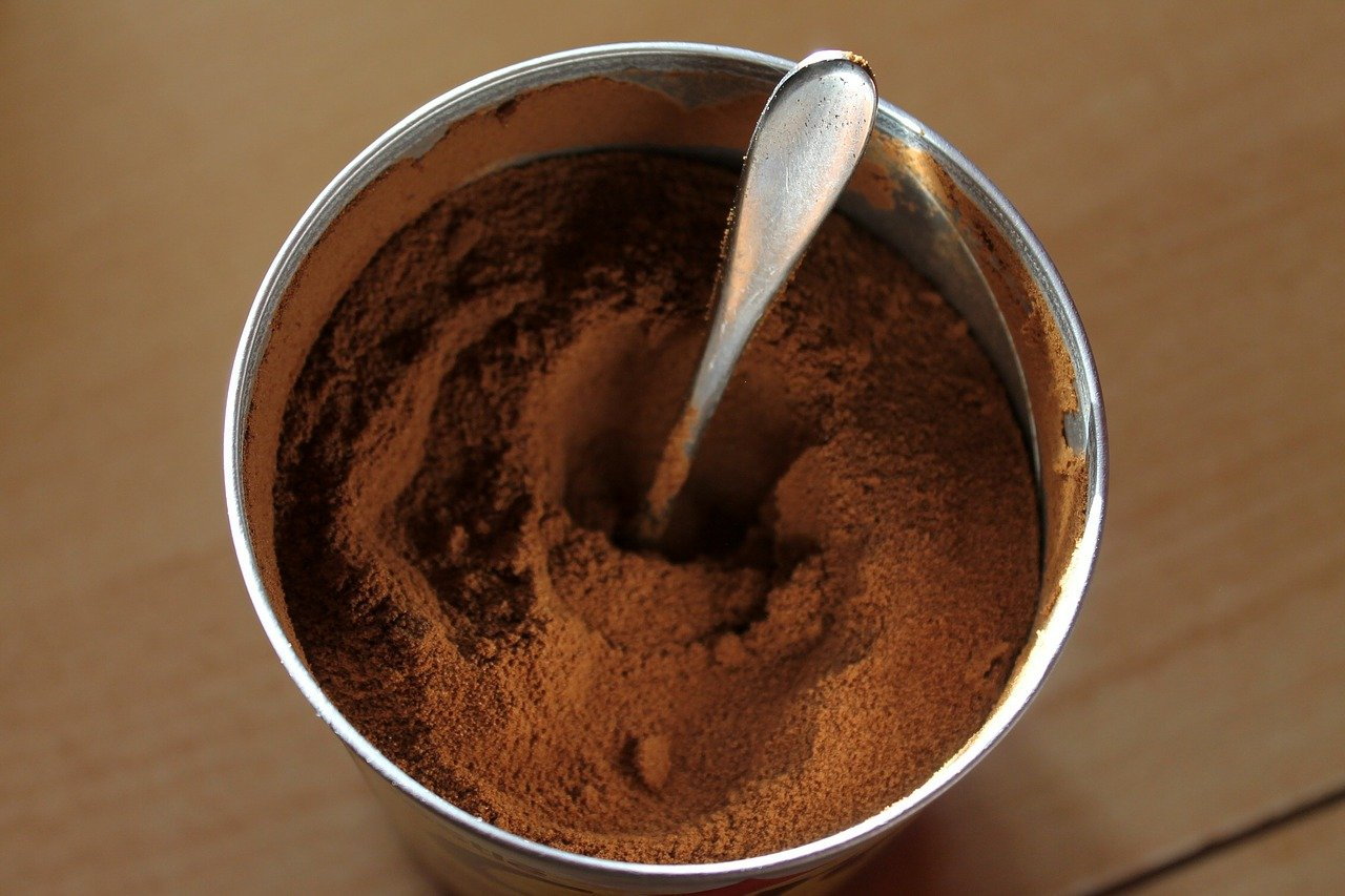 is instant coffee less acidic than brewed